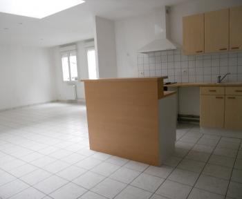 Location Appartement 4 pièces Sainte-Menehould (51800) - centre ville