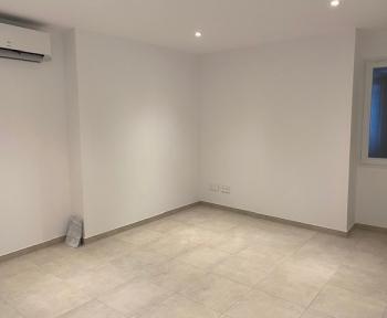 Location Appartement rénové 3 pièces Pernes-les-Fontaines (84210)