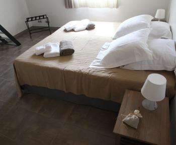 Location Appartement rénové 5 pièces Aix-en-Provence (13090) - Proche commerces